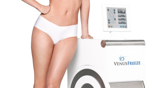 A woman in a bra and underwear leaning against a Venuse Freeze machine.
